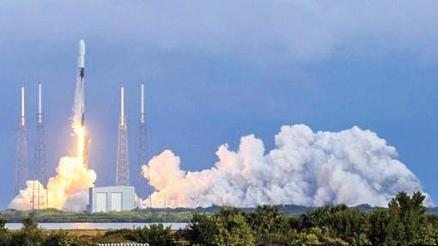 SpaceX lập kỷ lục phóng cùng lúc 143 vệ tinh từ một tên lửa
