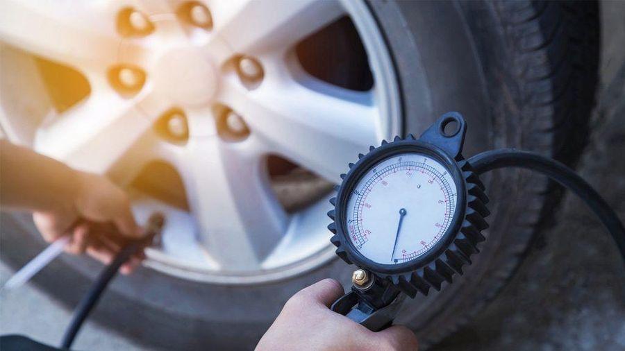 Cần phải lưu ý gì khi bơm hơi lốp xe ô tô?
