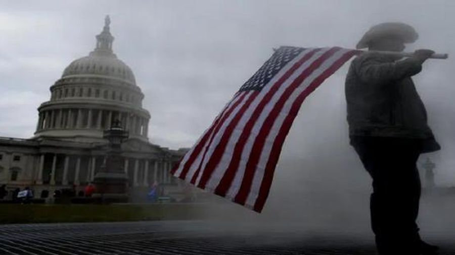 Trump chưa bị luận tội, các nhà lập pháp Mỹ đã bị dọa giết hoặc hành hung bên ngoài điện Capitol