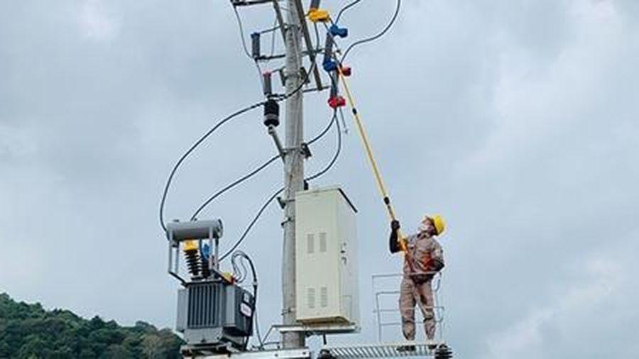 PC Lạng Sơn cải tạo, chống quá tải lưới điện dịp Tết