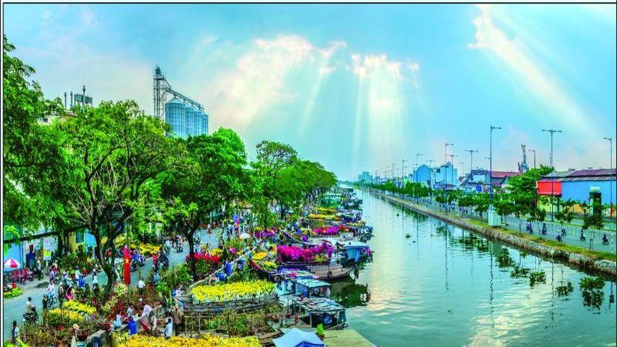5 điểm đặc sắc của chợ hoa bến Bình Đông trong Tết 2021