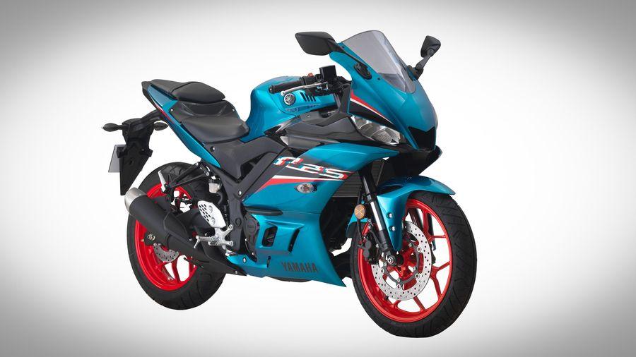 Yamaha R25 2021 được ra mắt tại Malaysia - thêm màu, thay tem