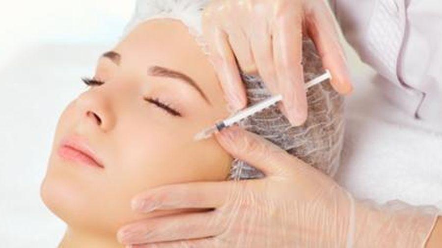 Tiêm botox làm đẹp tại spa, cô gái trẻ ôm mặt biến dạng đến bệnh viện 'cầu cứu'