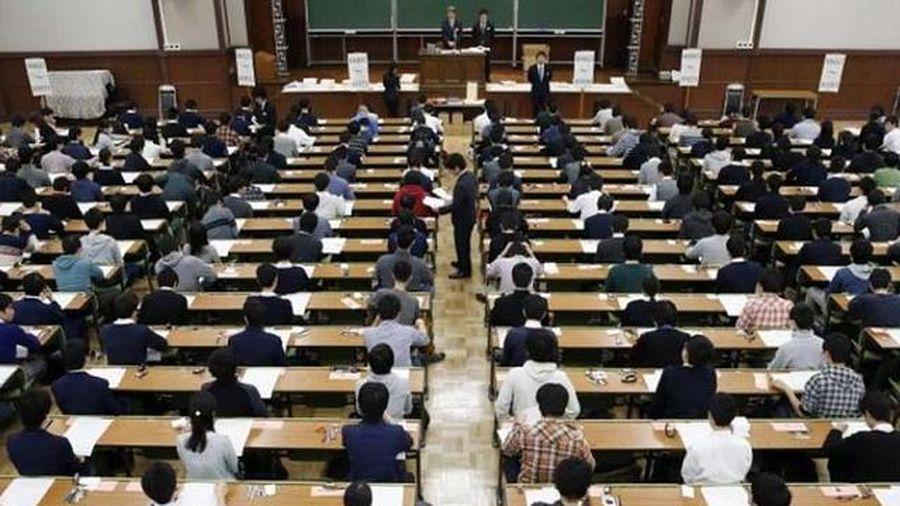 Trung Quốc mạnh tay xử lý gian lận trong kỳ thi ĐH