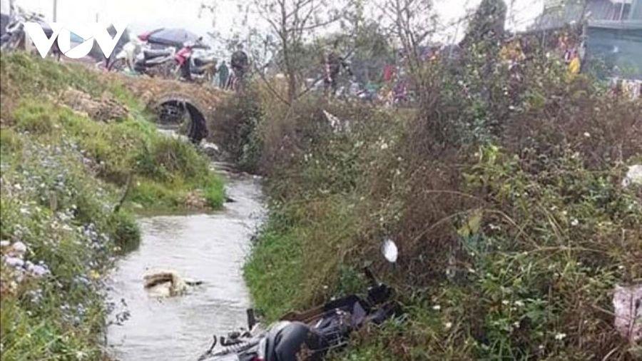 Vụ người đàn ông tử vong dưới mương nước cạnh chiếc xe máy: Kết quả khám nghiệm tử thi
