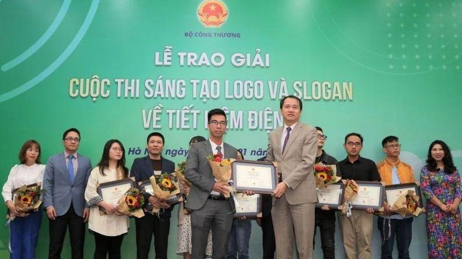 Trao giải cuộc thi 'Sáng tạo logo và slogan về tiết kiệm điện'