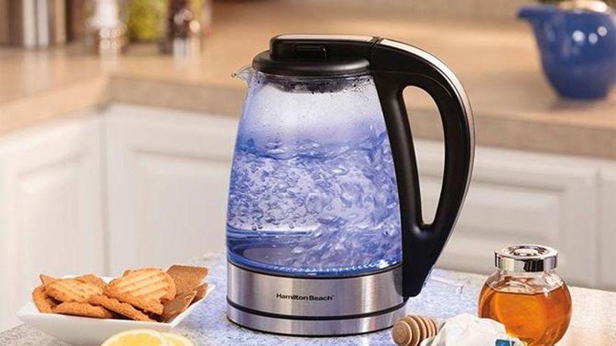 Tại sao không nên uống nước mới đun từ ấm điện nếu sử dụng sai cách không đúng cách?