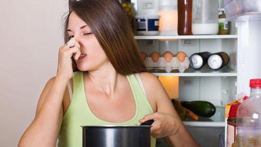 Mẹo hay để khử mùi khó chịu trong tủ lạnh