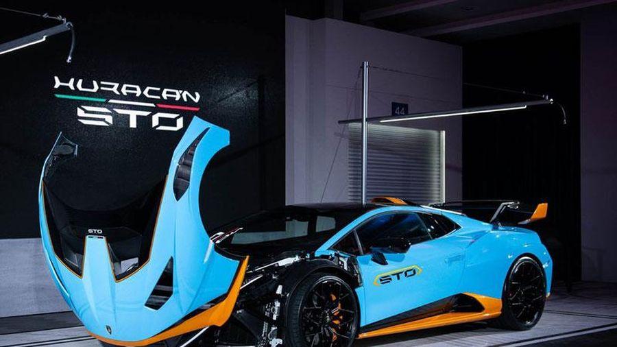 'Lác mắt' trước vẻ đẹp của siêu xe Lamborghini Huracan STO, giá gần 1 triệu USD