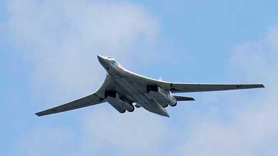 Máy bay ném bom chiến lược Tu-160M của Nga bay thử nghiệm thành công với động cơ mới