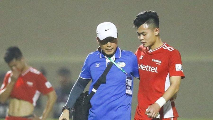 Thêm một tuyển thủ Việt Nam phải nghỉ hết năm 2021 vì đứt dây chằng gối