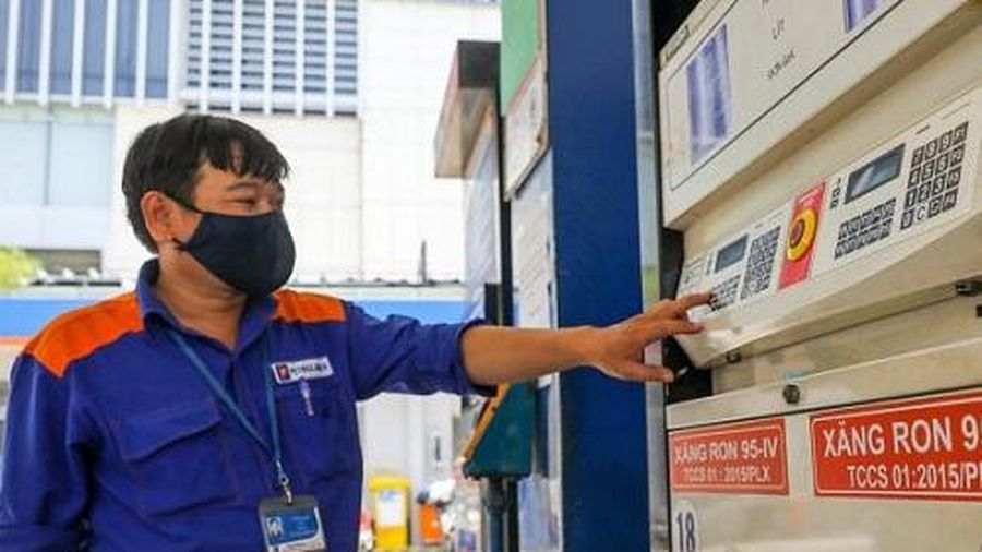 Giá xăng tiếp tục tăng trong phiên điều chỉnh ngày 26/1