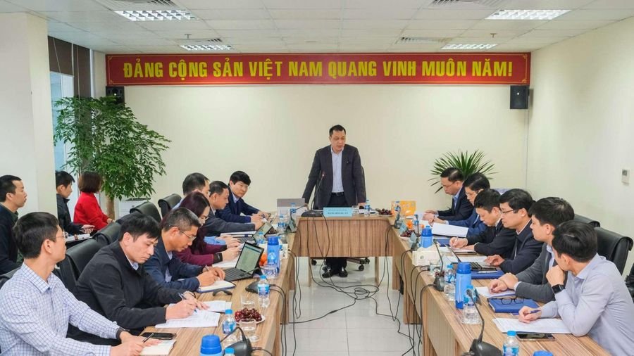 Đặt mục tiêu hàng đầu là đảm bảo cấp điện an toàn phục vụ Đại hội Đảng lần thứ XIII