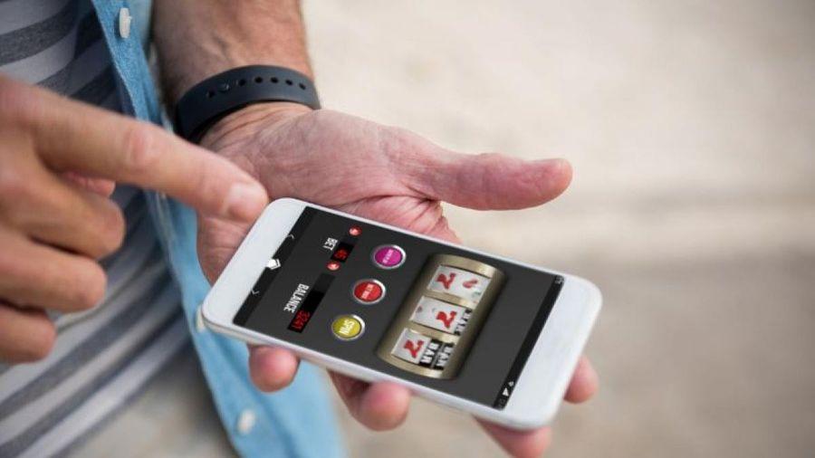 Apple bị kiện vì thu lợi từ cờ bạc bất hợp pháp