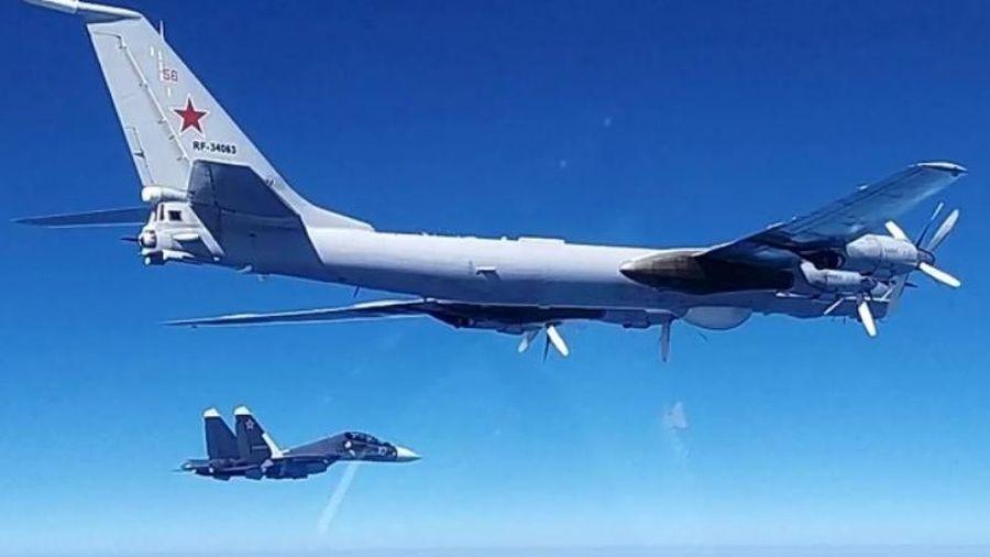 Mỹ phát hiện hai máy bay Tu-142 Nga gần biên giới