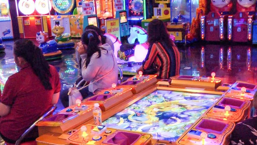 40 người đánh bạc trong một trung tâm thương mại ở Rạch Giá