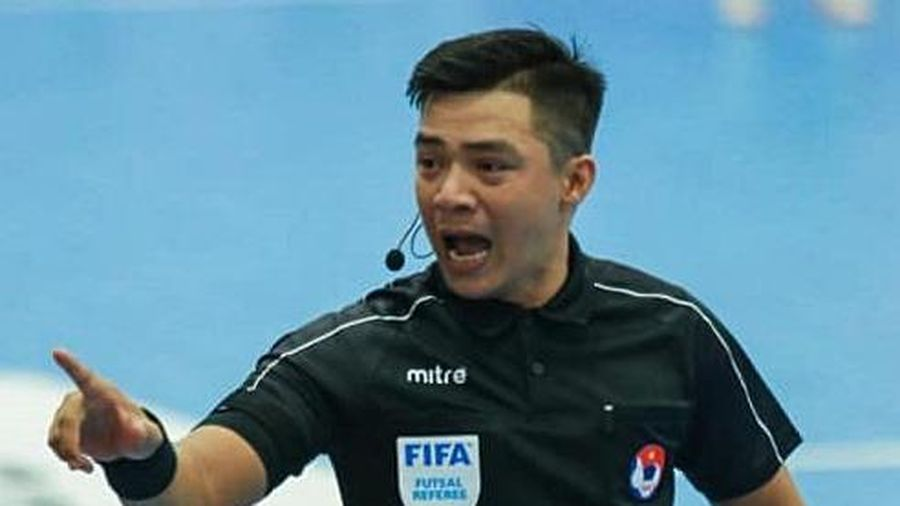 Trọng tài FIFA xót xa vì đồng nghiệp bị đá bất tỉnh