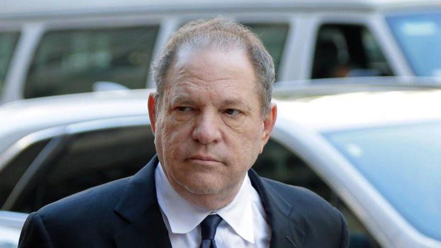 Nạn nhân bị Harvey Weinstein cưỡng bức nhận bồi thường 17,1 triệu USD