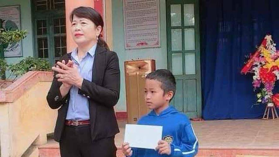 Biểu dương học sinh nghèo ở Quảng Trị trả lại 7 triệu đồng nhặt được