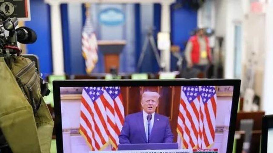 Tài khoản Youtube của cựu TT Donald Trump bị đình chỉ vô thời hạn