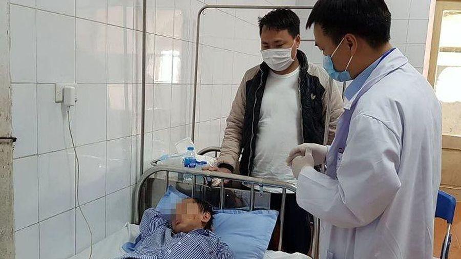 Bé trai 8 tuổi tại Hà Nội bị chó béc-giê cắn rách mặt