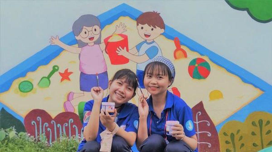 Cô gái Chăm đầu tiên nhận học bổng AEON và ước mơ mang chữ về bản