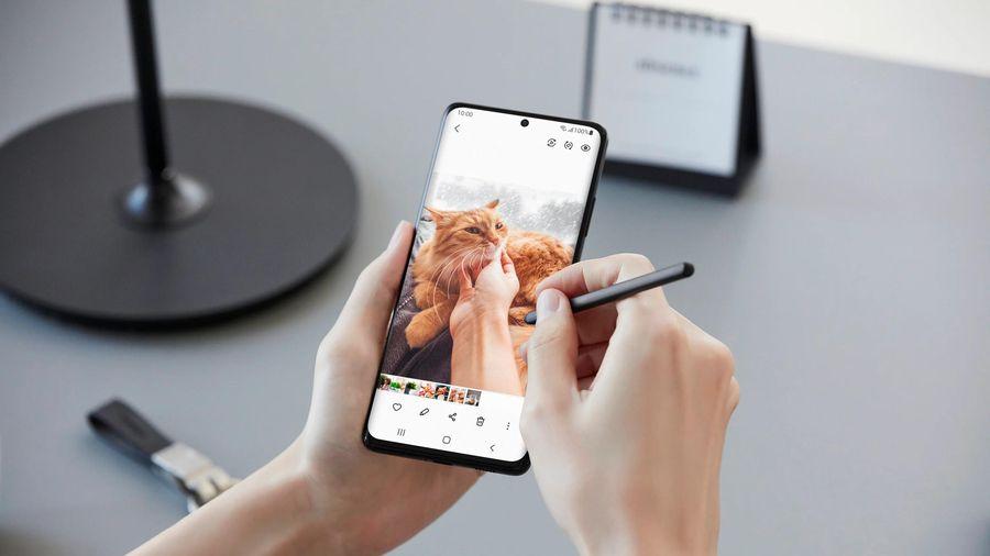 Samsung đặt mục tiêu xuất xưởng 26 triệu chiếc Galaxy S21 series