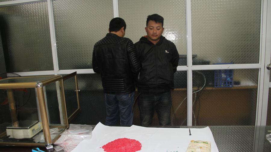 Lào Cai: Bắt đối tượng vận chuyển 12.000 viên ma túy tổng hợp