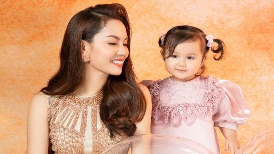 Ca sĩ Nguyễn Ngọc Anh khoe sắc vóc ngọt ngào tuổi 40 bên con gái