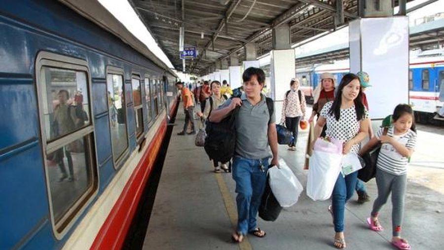 Vé tàu Tết Tân Sửu giảm sâu đến 15%