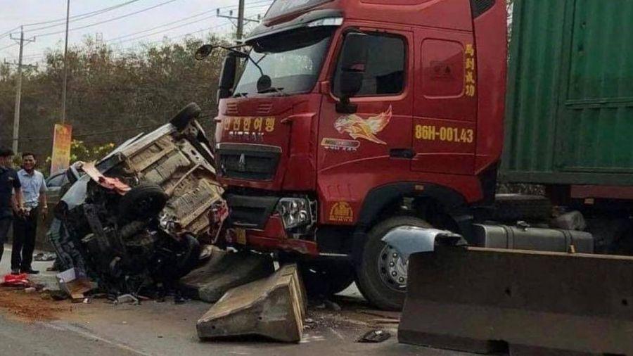 Người phụ nữ bị xe đầu kéo cán tử vong trên QL1 qua Đồng Nai