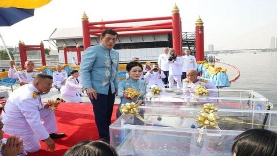 Hoàng quý phi Thái Lan bất ngờ được sắc phong lên làm hoàng hậu thứ 2