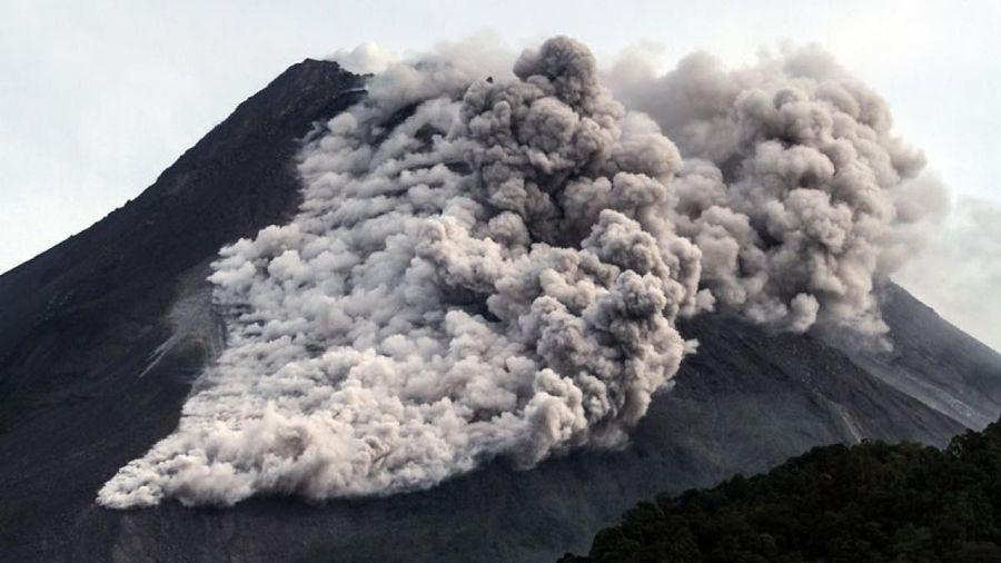 Núi lửa Merapi (Indonesia) phun trào, người dân được lệnh sơ tán khẩn cấp