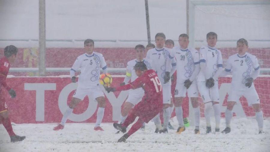Ngày này năm xưa: Quang Hải tạo nên 'cầu vồng tuyết' trong trận đấu lịch sử