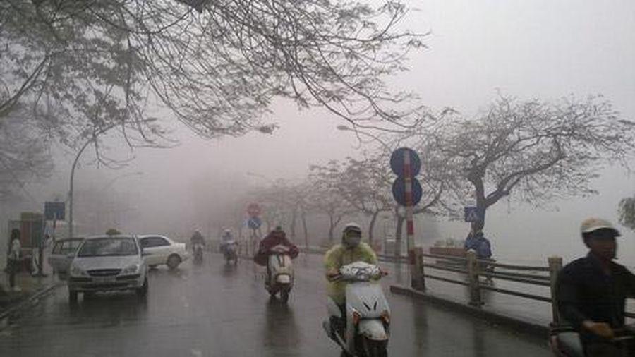 Hà Nội có mưa nhỏ, rét về đêm và sáng