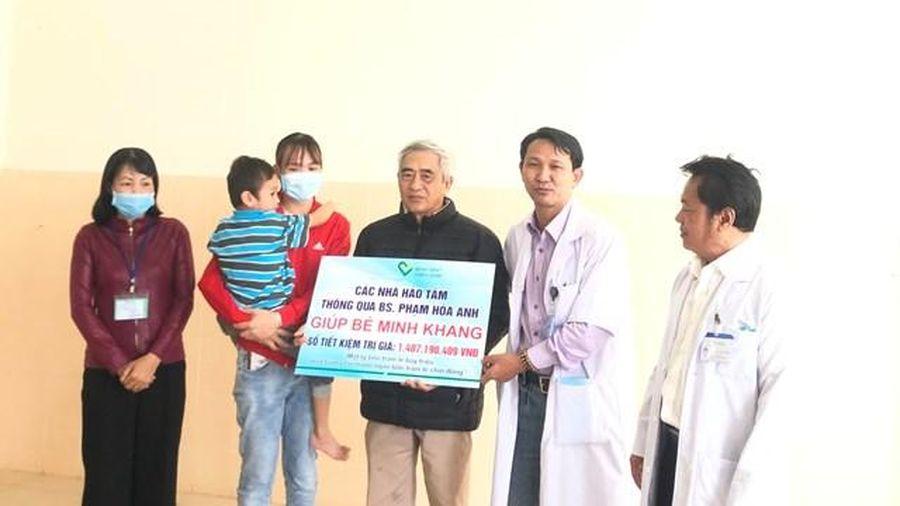 Hỗ trợ hơn 1,4 tỷ đồng cho cháu bé ở Đắk Lắk bị cha bạo hành