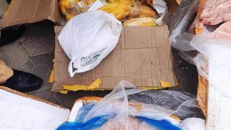 Tuồn hơn 5 tấn thực phẩm bẩn từ Quảng Ninh qua Hà Tĩnh thì bị bắt