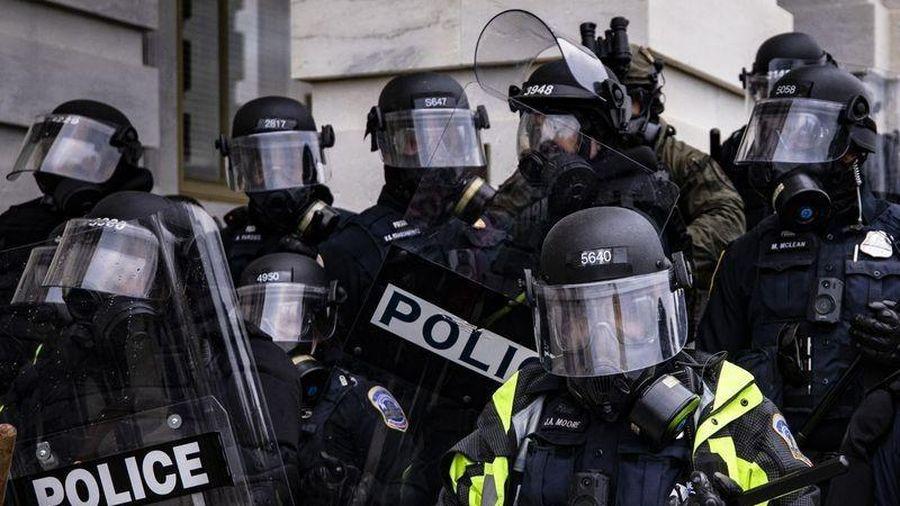 Thêm sĩ quan cảnh sát Mỹ tự tử sau vụ bạo loạn ở Điện Capitol