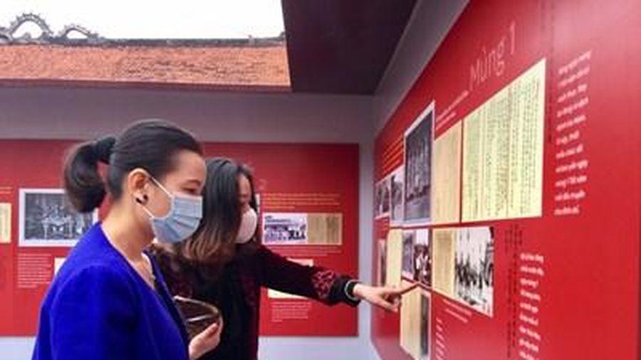 Trưng bày 80 tài liệu về Tết Nguyên đán trong cung đình