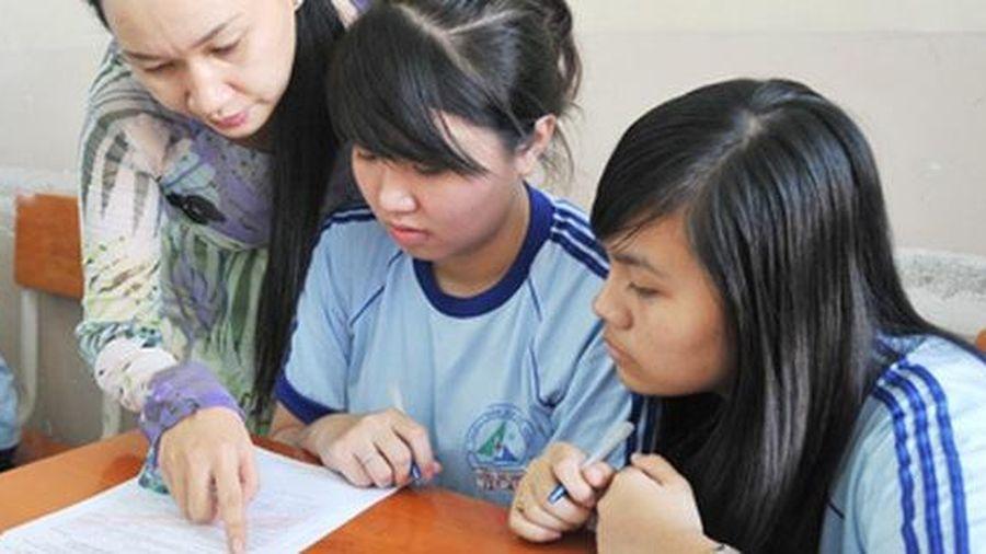 TP HCM: Giáo viên trường công nhận 1,5 triệu đồng/người dịp Tết Âm lịch 2021