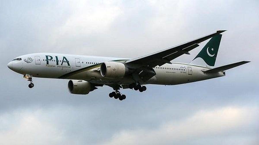 Phi công Pakistan 'hoảng hốt' báo cáo về UFO