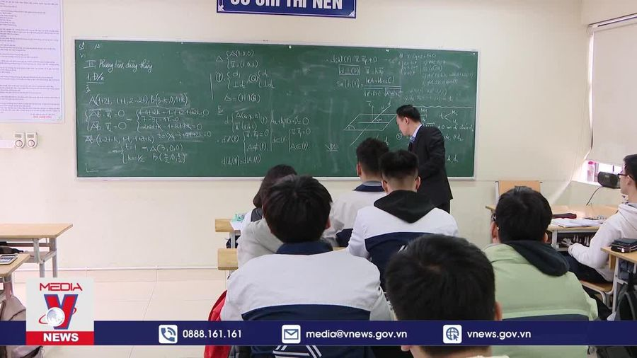 Xung quanh việc giáo viên phải có bằng thạc sĩ
