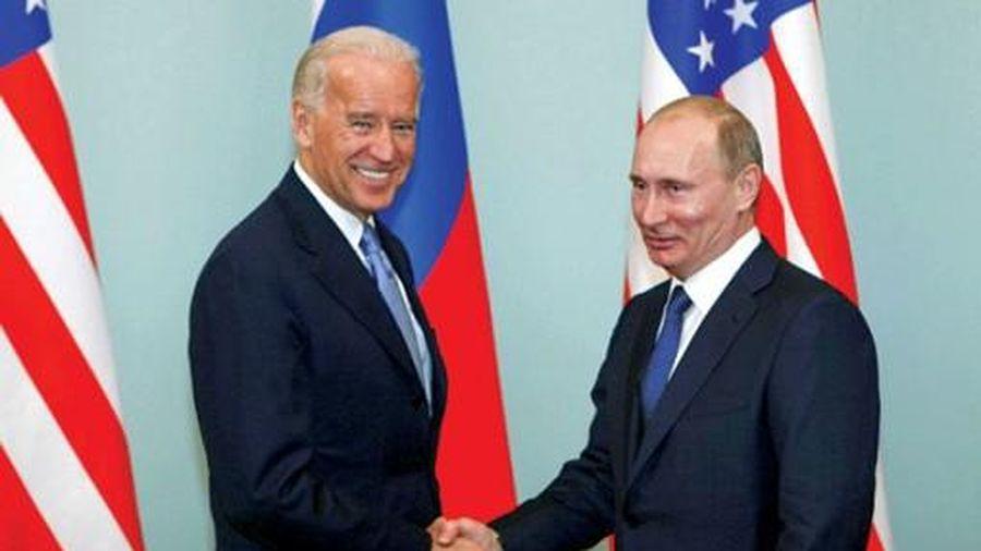 Ông Biden 'rắn' với Nga?