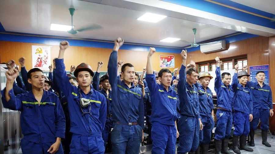 Thi đua lao động sản xuất hướng về Ngày hội lớn