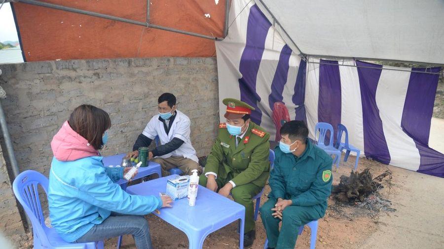 Lào Cai tiến hành lấy mẫu xét nghiệm người đi về từ Hải Dương, Quảng Ninh