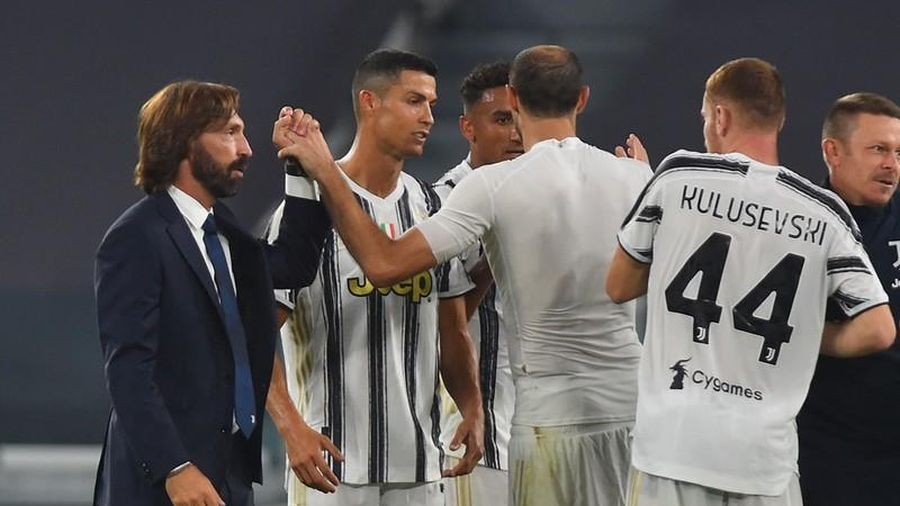 Juventus và Inter Milan tranh giành sao MU