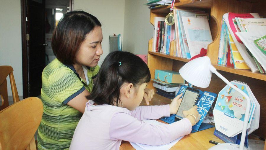 Bộ GD&ĐT nói gì về dạy học trực tuyến lớp 1, 2?