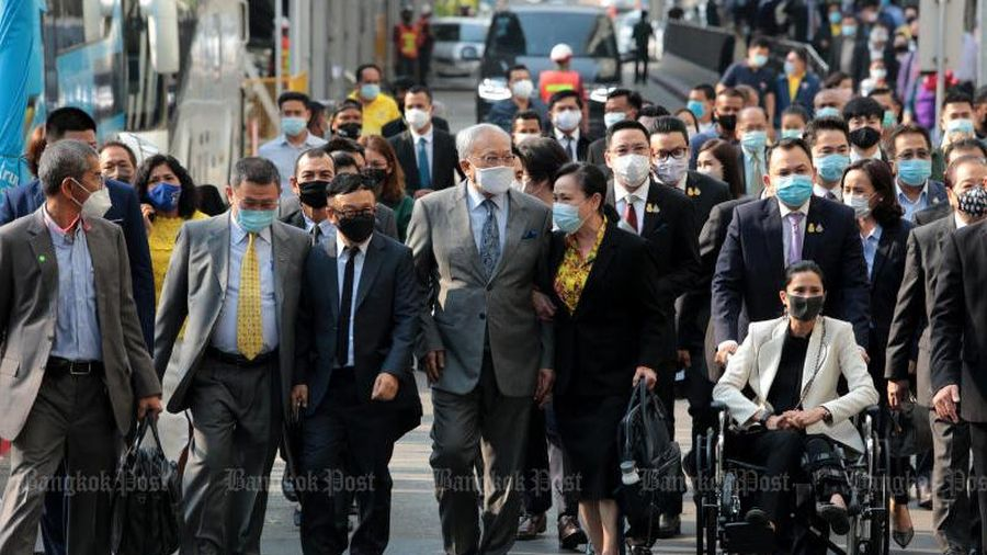 Ba thành viên chính phủ Thái Lan bị kết án tù
