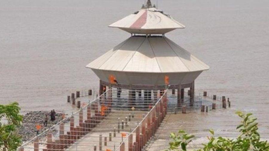 Ngôi đền 'thoắt ẩn, thoắt hiện' giữa biển hút khách đến chiêm ngưỡng