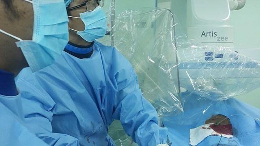 Bệnh nhân bị vỡ gan nặng được cứu sống không cần phẫu thuật